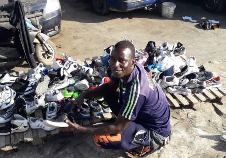 b9f535c93ff831 Message D'un vendeur de chaussure à la jeunesse Sénégalais